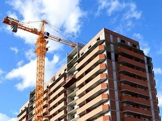 Барнаульским строителям в полтора раза подняли план ввода жилья на 2020 год
