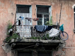 Не все собственники жилья в аварийных домах смогут получить квартиры