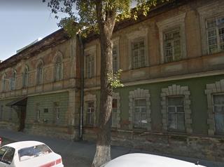 В центре Иркутска хотят отреставрировать аварийное здание бывшей картографической фабрики