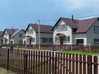 Для жителей поселка Радужный Спутник построят школу на 550 мест