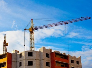 Барнаулу грозит снижение объемов строительства жилья