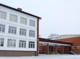 В Иркутске планируют возвести пристрой к школе, каток и спорткомплекс
