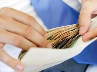 Заемщикам с «серой» зарплатой будет сложно взять ипотеку в 2020 году