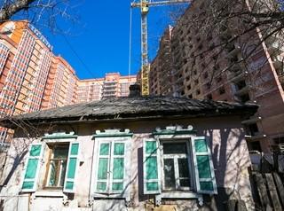 Администрация Красноярска рассчитывает привлечь застройщиков для расселения 15 аварийных домов
