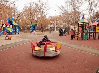 В Иркутске заканчивают ремонт дворов