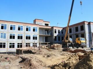 В Мегете завершают реконструкцию поликлиники