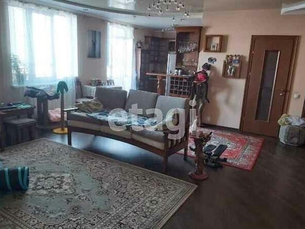 Продам 2-комнатную, 69.6 м², Папанинцев ул, 111. Фото 3.