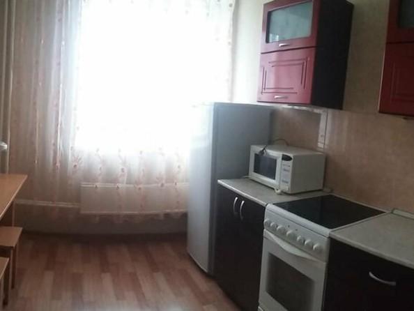 Сдам посуточно в аренду 1-комнатную квартиру, 35 м², Бийск. Фото 5.