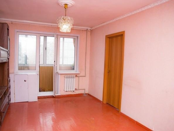 Продам 2-комнатную, 46 м², Новороссийская ул, 13А. Фото 2.