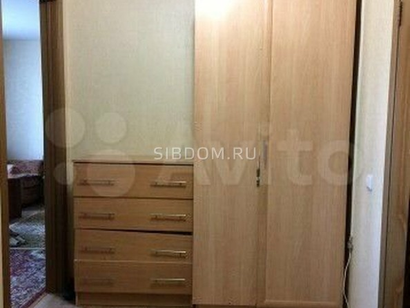 Продам 1-комнатную, 40 м², Юрина ул, 299А. Фото 4.