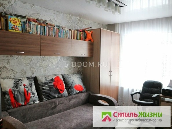 Продам 4-комнатную, 69 м2, Антона Петрова ул, 226. Фото 1.