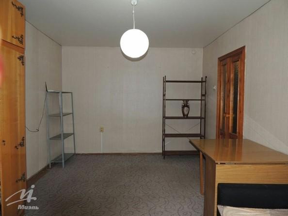 Продам 1-комнатную, 30 м², Привокзальная ул, 5А. Фото 2.