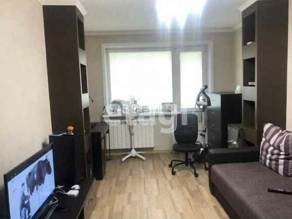 Продам 2-комнатную, 46 м², Юрина ул, 283. Фото 1.