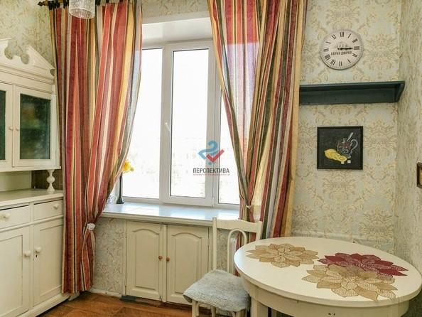 Продам 2-комнатную, 53 м², Ленина пр-кт, 49. Фото 1.