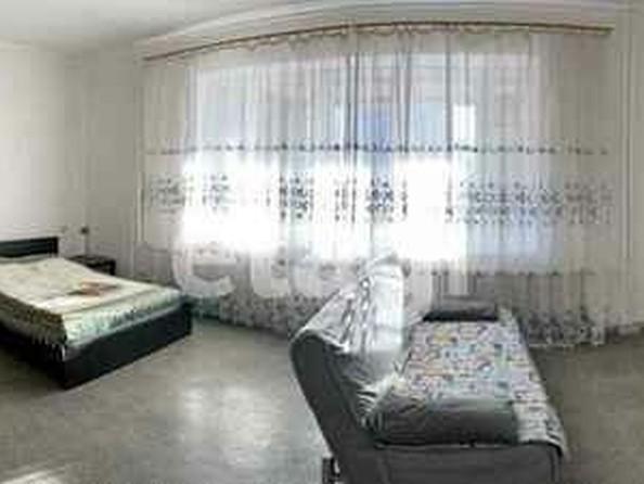 Продам 2-комнатную, 98 м², Партизанская ул, 132. Фото 1.