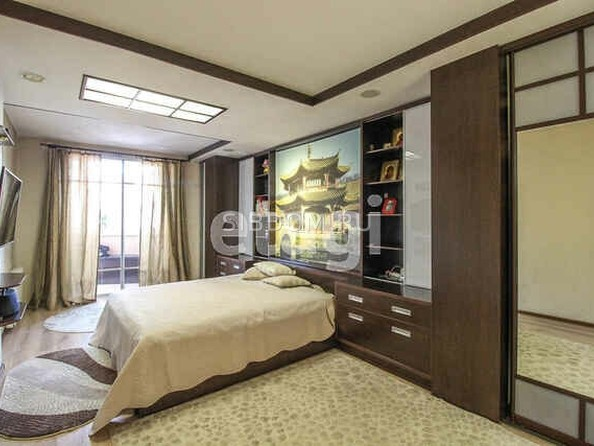 Продам 4-комнатную, 131.2 м², Партизанская ул, 105. Фото 1.