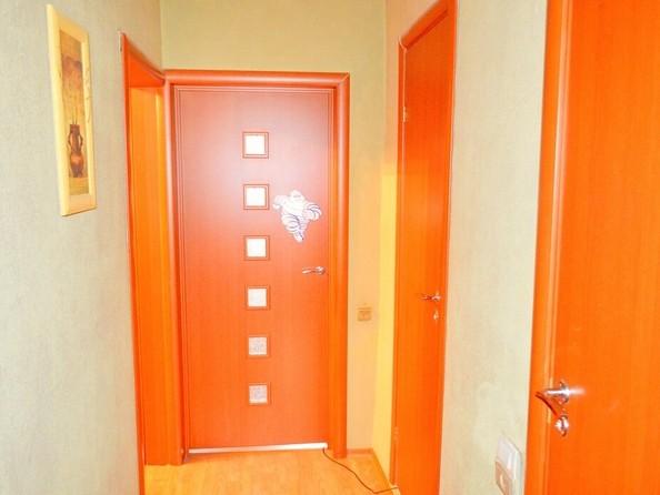 Продам 3-комнатную, 66.1 м², Лазурная ул, 22. Фото 4.