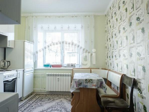 Продам 2-комнатную, 59.7 м2, Юрина ул, 241А. Фото 1.