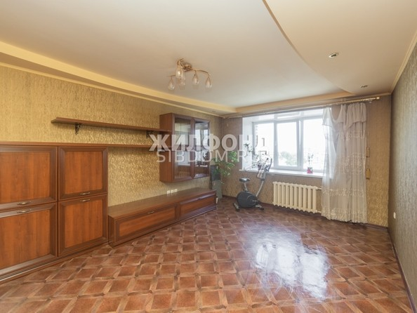 Продам 3-комнатную, 89 м², Малахова ул, 89. Фото 12.