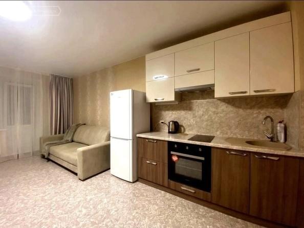 Сдам посуточно в аренду 2-комнатную квартиру, 65 м², Барнаул. Фото 2.