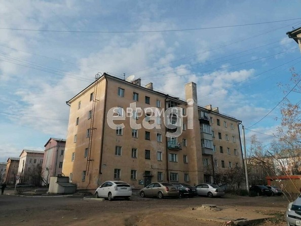 Продам 2-комнатную, 43 м2, Комсомольская ул, 40. Фото 2.