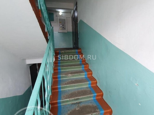 Продам 3-комнатную, 63 м2, Юного Коммунара ул, 6. Фото 2.
