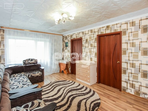 Продам 4-комнатную, 63.3 м², Октябрьская ул, 1А. Фото 2.