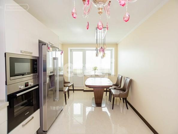 Продам 4-комнатную, 98.4 м², Яковлева ул, 17. Фото 5.