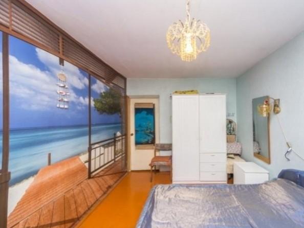 Продам 2-комнатную, 49.6 м², Байкальская ул, 230. Фото 4.