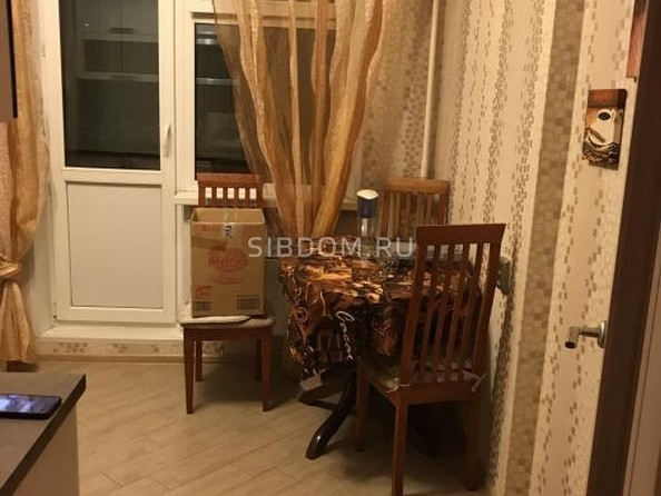 Сдам в аренду 1-комнатную квартиру, 36 м², Иркутск. Фото 2.