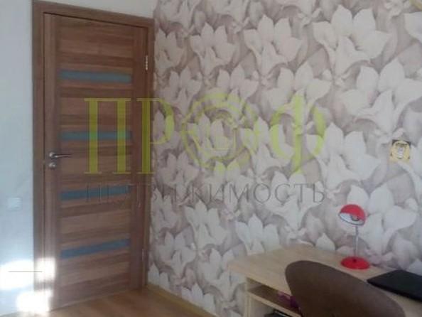 Продам 2-комнатную, 48 м2, Тайгинская ул, 8а. Фото 1.
