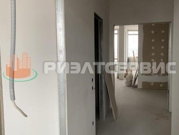 Продам 4-комнатную, 145 м2, Строителей б-р, 53а. Фото 10.