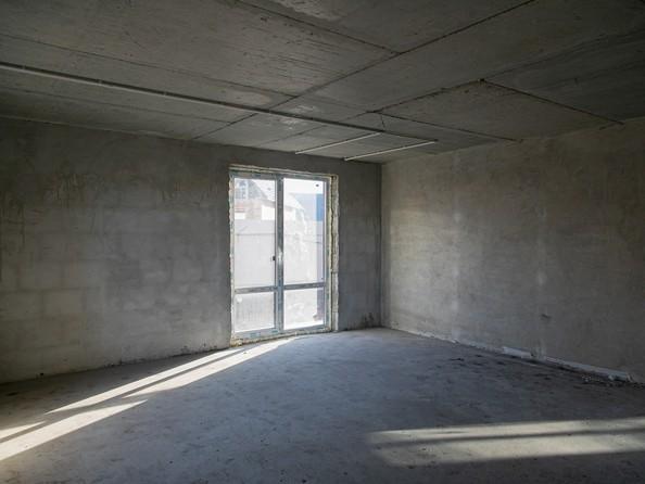 Продам 4-комнатную, 108 м2, Успешная ул, 29. Фото 4.