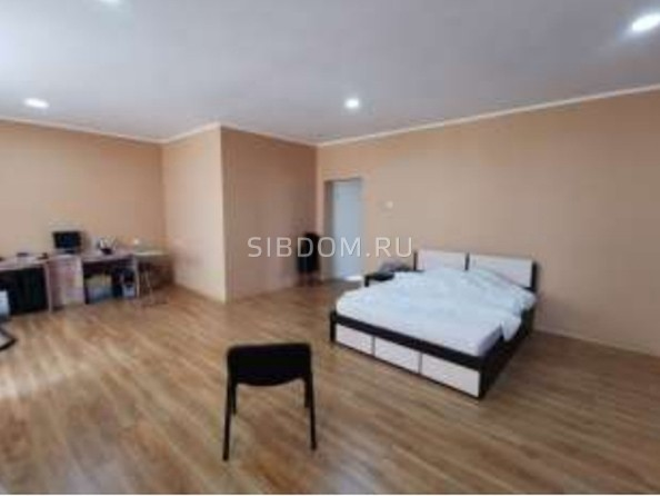 Продам 4-комнатную, 186 м², Октябрьская ул. Фото 2.
