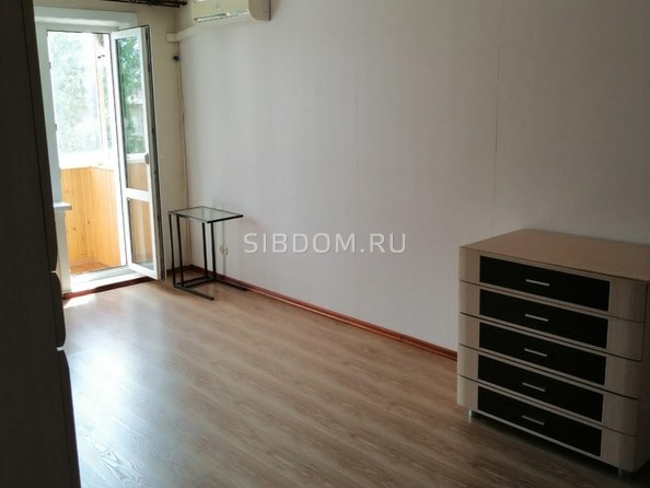 Продам 3-комнатную, 59 м², Зорге ул, 197. Фото 11.