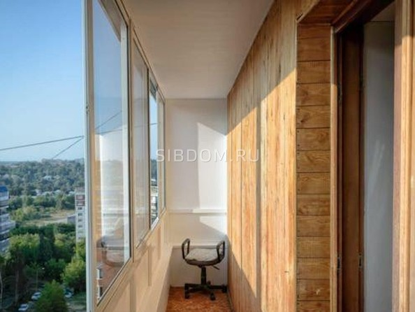 Продам 4-комнатную, 72 м², Сибирская ул, 102. Фото 16.
