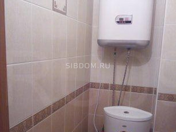 Продам 2-комнатную, 67 м², Мокрушина ул, 9а. Фото 1.
