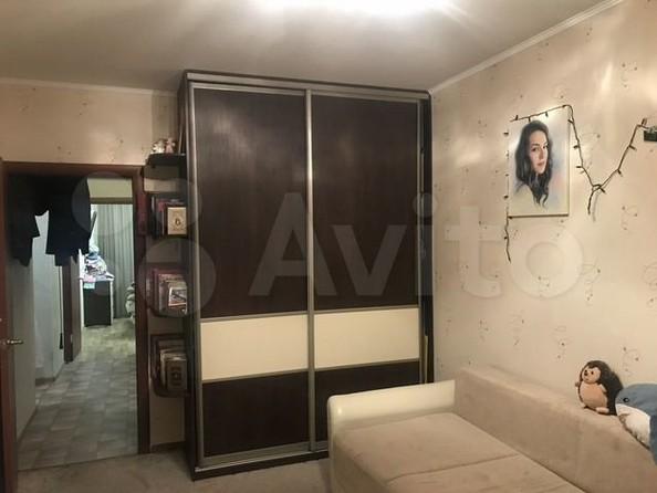 Продам 3-комнатную, 77 м², Ленская ул, 53. Фото 2.