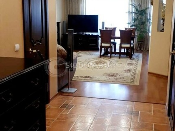 Продам 3-комнатную, 104.8 м², Курчатова ул, 34А. Фото 1.