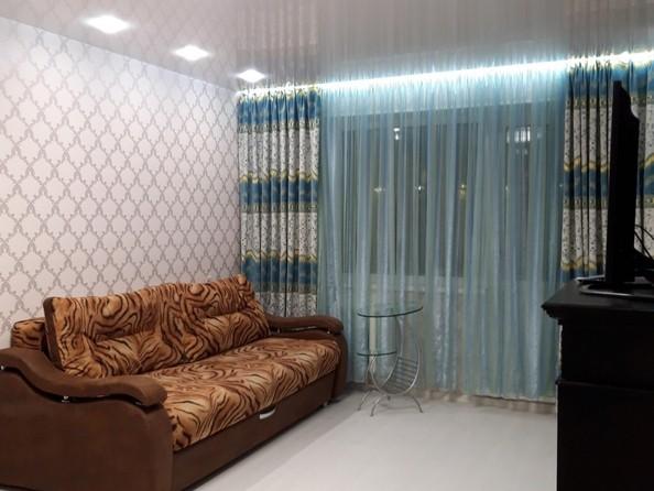 Продам 2-комнатную, 54 м2, Елизаровых ул, 4. Фото 2.